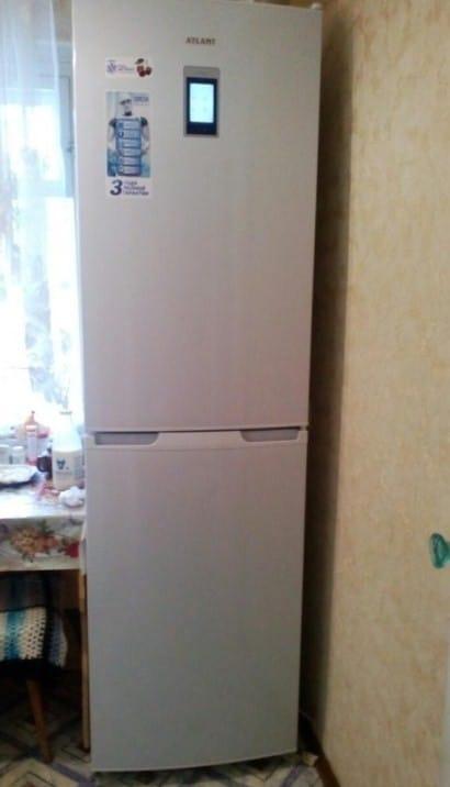 Холодильник Атлант XM 4425 000 N в домашнем интерьере