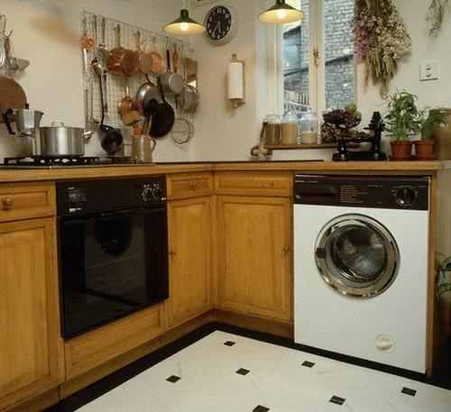 Стиральная машина вписанная в кухонный интерьер