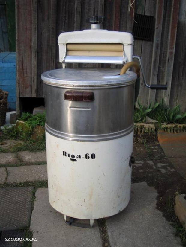 Старая стиральная машина Рига-60