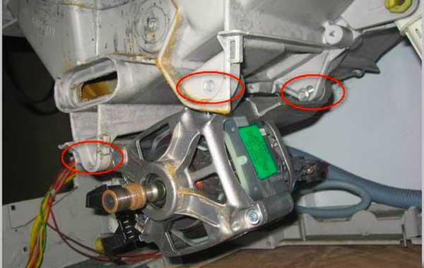Места крепления электродвигателя СМА