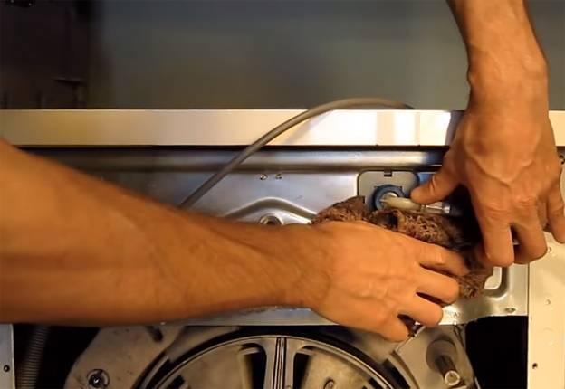 Прочистка подающего водопровода СМА