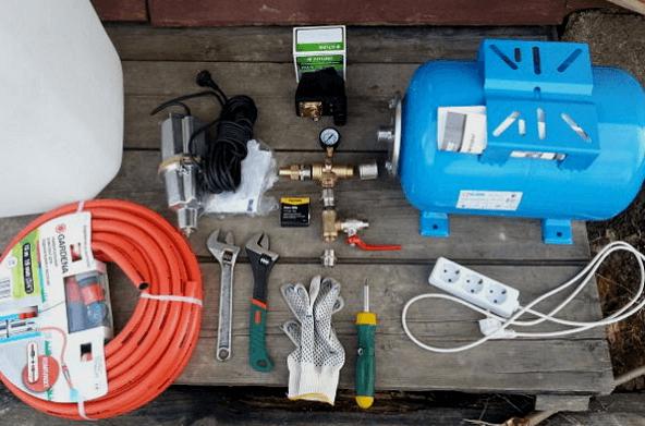Насос и необходимые инструменты для подключения