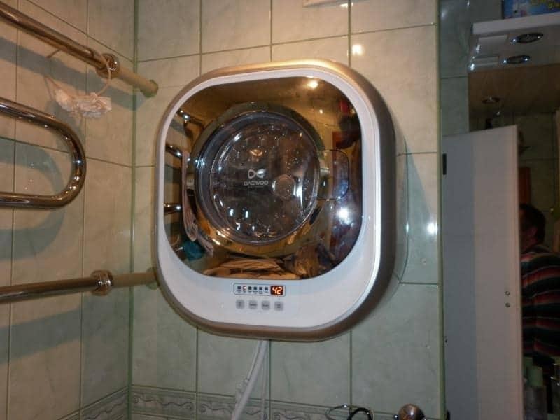 СМА DWD-CV701 PC в интерьере ванной