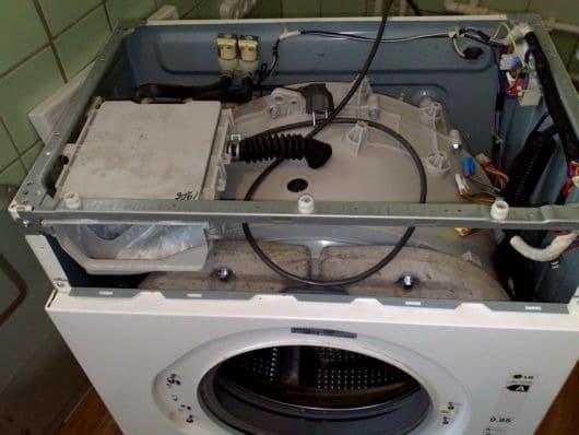 СМА со снятой верхней крышкой и панелью управления