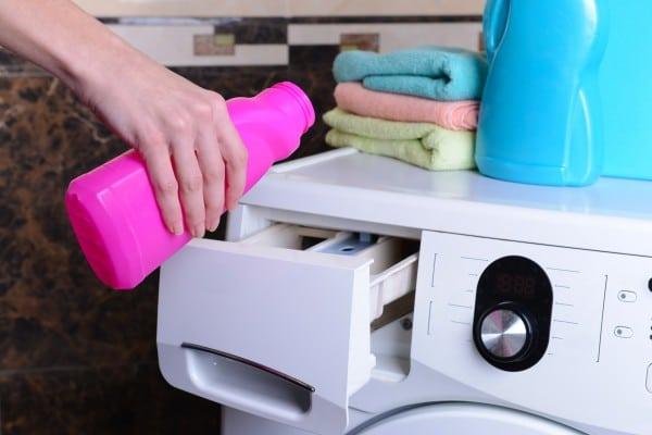 Дозирование жидкого моющего средства в СМА