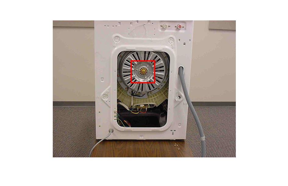 Первый этап демонтажа мотора СМА