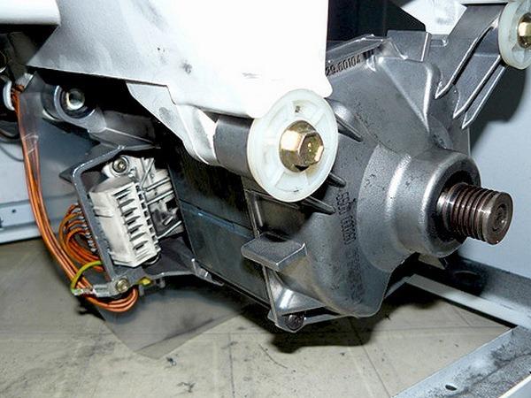 Место установки двигателя СМА
