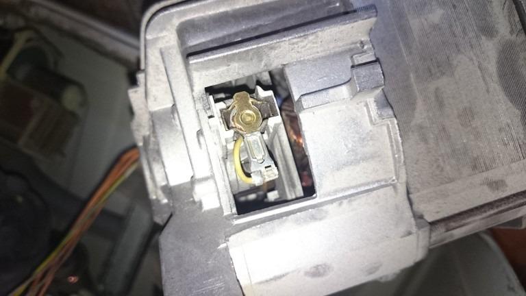 Место установки щеток в электродвигателе