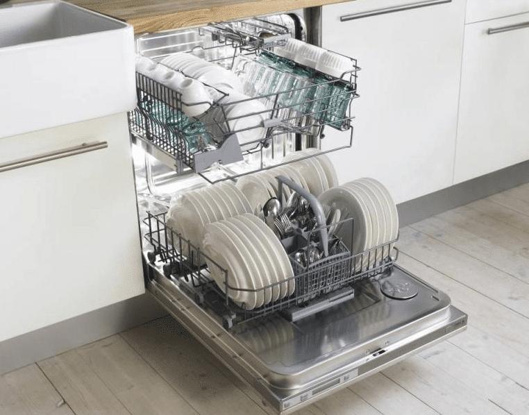 Посуда вымытая в ПММ