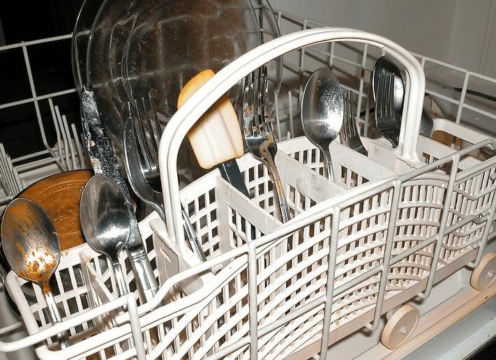 Расстановка столовых приборов в бункере ПММ