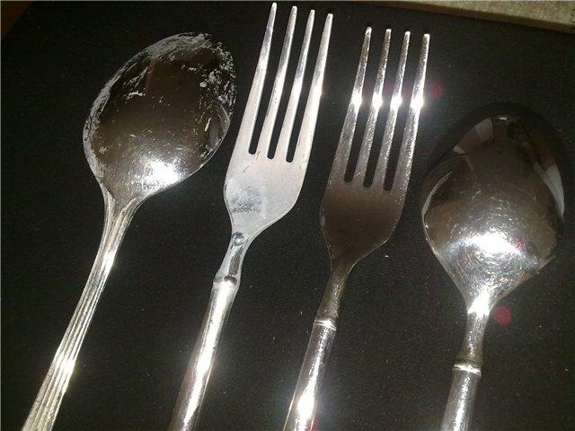 Результат плохой мойки посуды