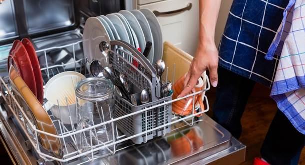 Посуда после мойки в ПММ