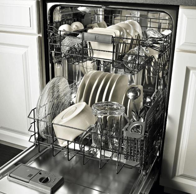 Помытая в ПММ посуда