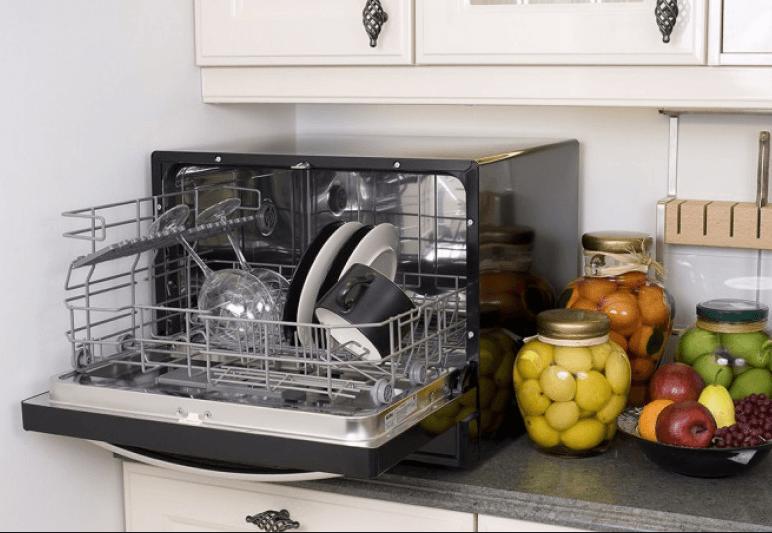 Компактная ПММ в интерьере кухни