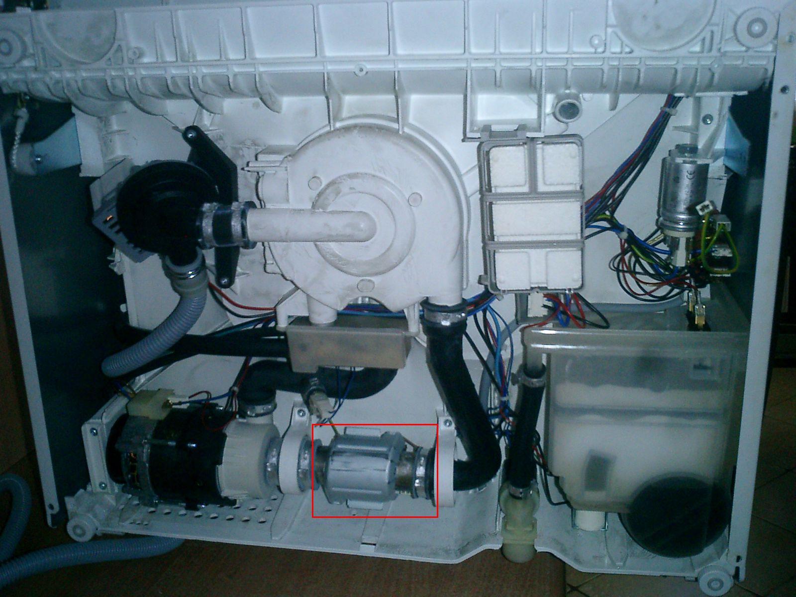 Место установки проточного ТЭНа в посудомоечной машине