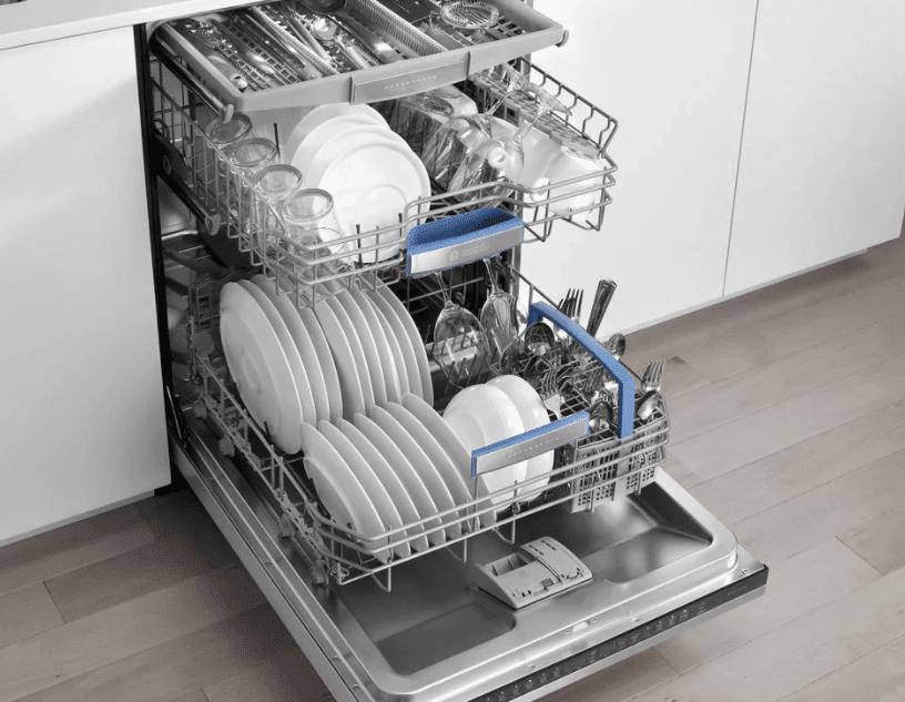 Вымытая в ПММ посуда