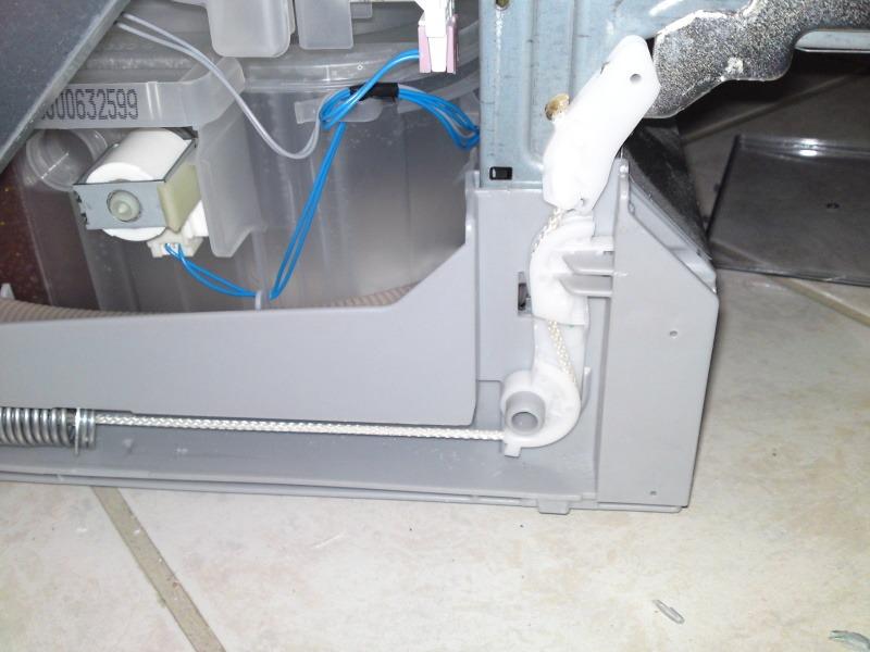 Система плавного закрытия дверцы ПММ