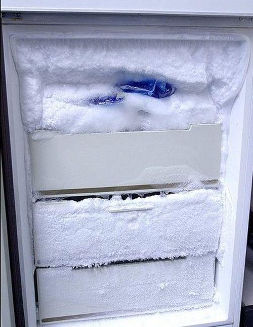 Обмерзлая морозилка