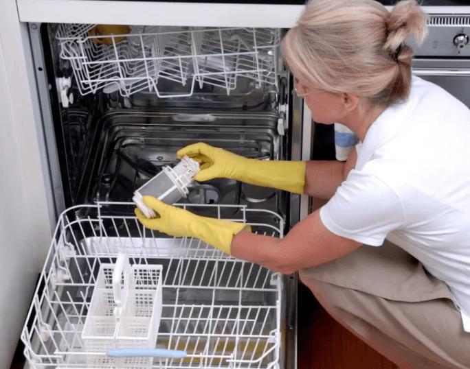 Чистка дренажа посудомоечной машины