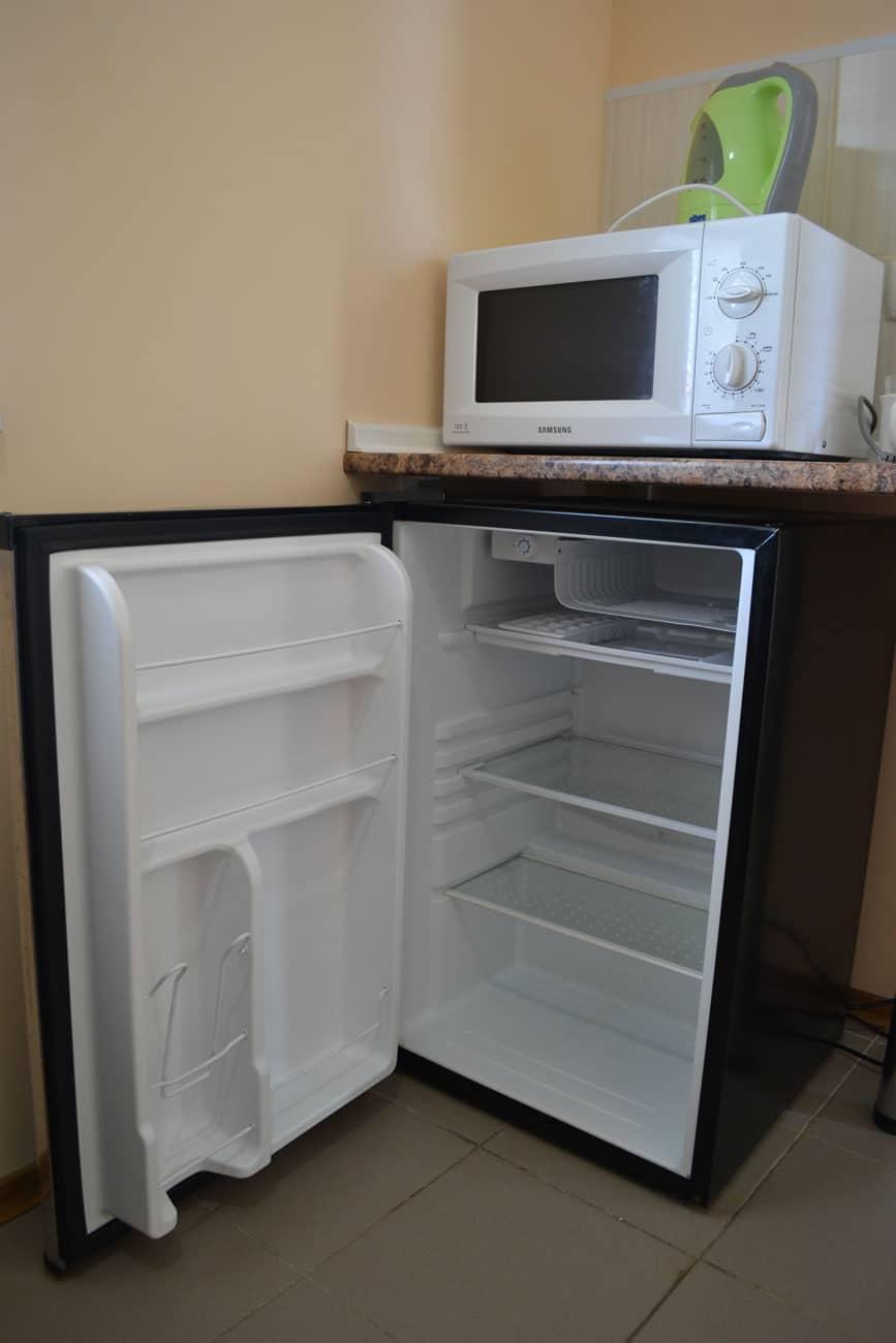 Полочка для СВЧ над холодильником