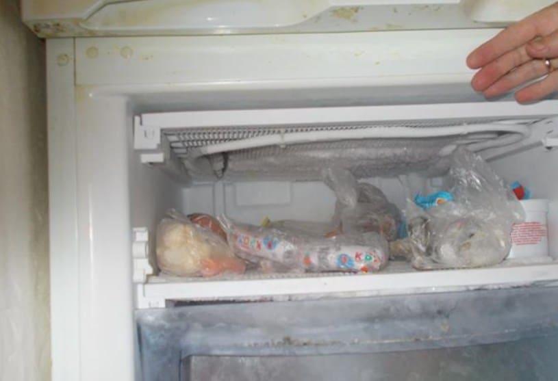 Высокая температура на стыке морозилки и холодильника